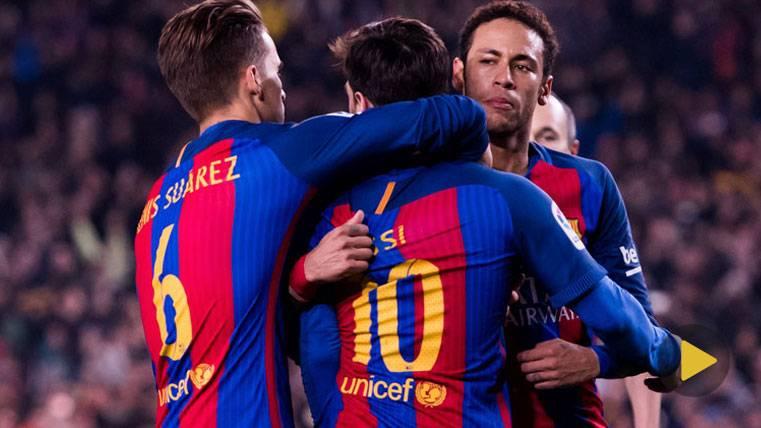 Neymar Jr, Denis y Messi, tras marcar un gol en una imagen de archivo