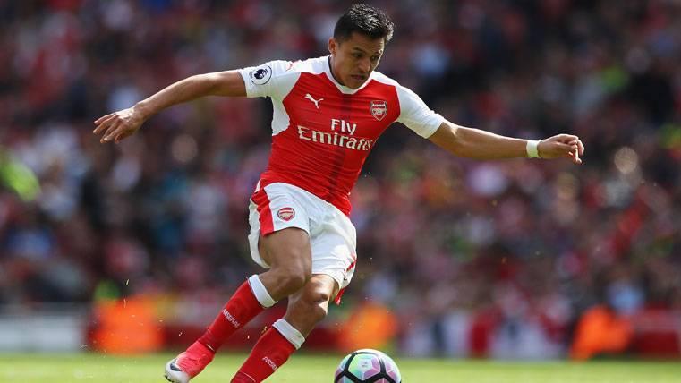 El PSG recibe 'calabazas' del Arsenal por Alexis Sánchez