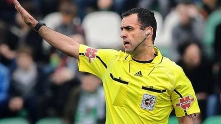 Un ex árbitro desvela todas las presiones de Villar