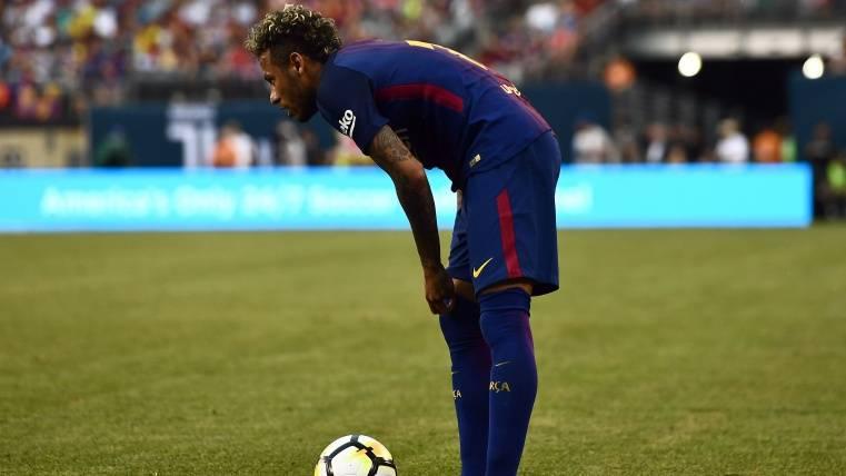 El entorno de Neymar no acaba de entender la foto de Piqué
