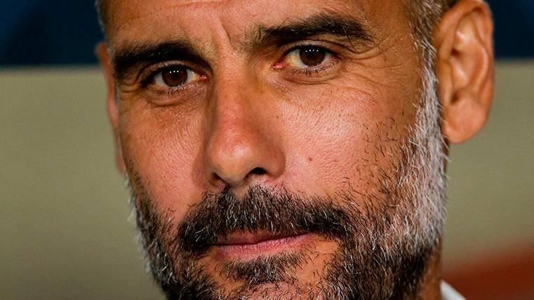 Pep Guardiola defiende la democracia en Manchester