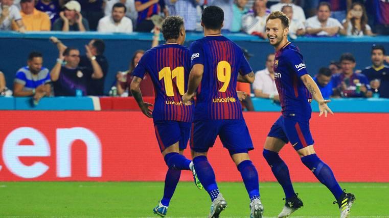 Obús de Rakitic y celebración eufórica de Neymar en el Clásico