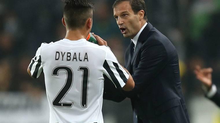 Allegri ya teme por la posible marcha de Dybala al Barça