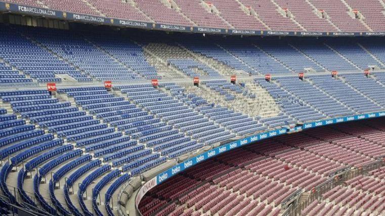 Rakuten ya se hace visible en las gradas del Camp Nou
