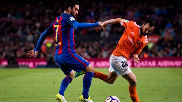 Arda Turan puede quedarse en el FC Barcelona hasta enero