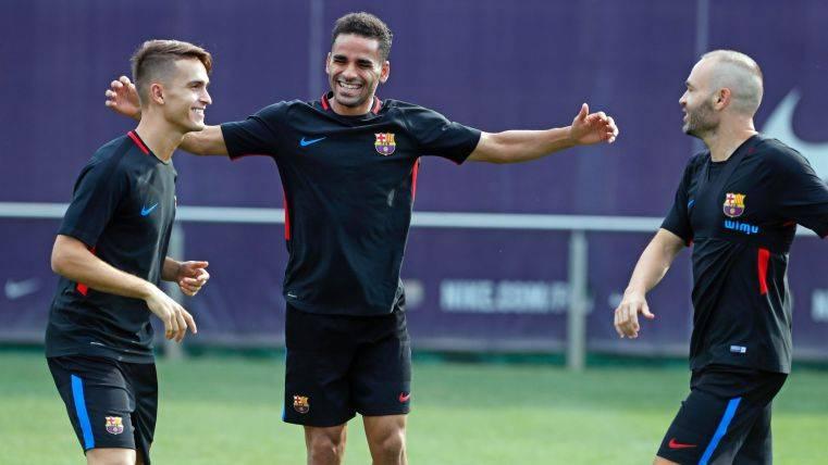 El Barcelona sigue entrenándose y felicita a Douglas