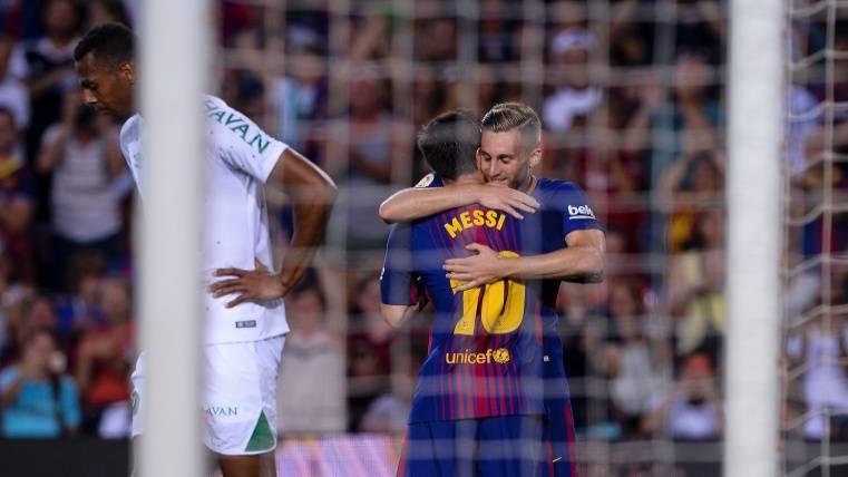 """""""Jugar al lado de Messi es fácil, estoy muy contento"""""""
