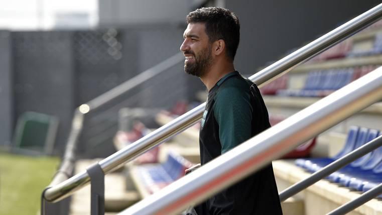 ¡Arda Turan se habría ofrecido para regresar al Atlético!