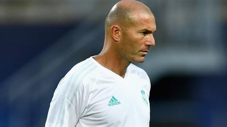 Cabreo de Zidane justo antes de la Supercopa de Europa