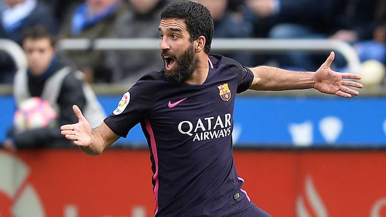 Arda Turan podría marcharse del Barça... A precio de saldo