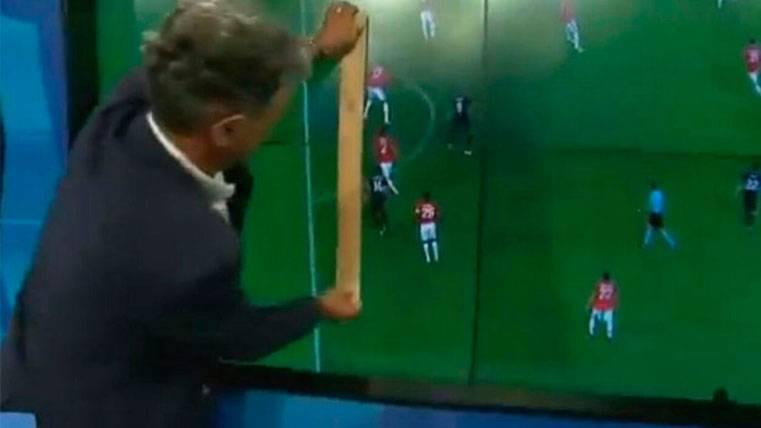 Intenta comprobar un fuera de juego del Madrid, ¡con una regla!