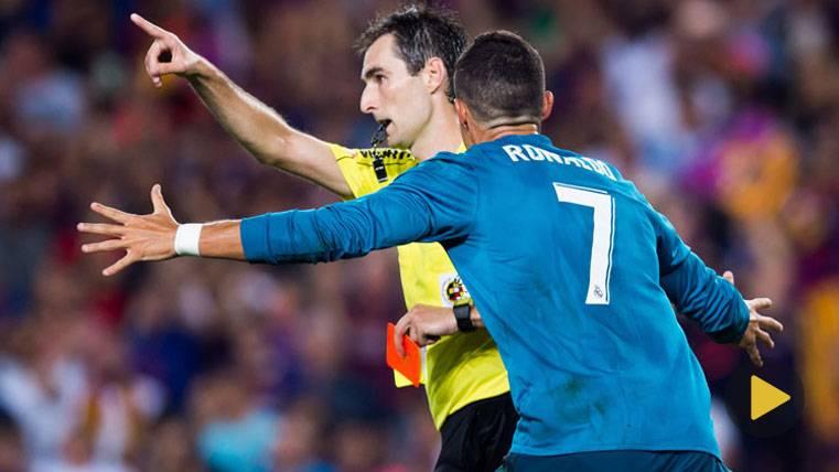 Empujón de Cristiano Ronaldo al árbitro y... ¿Habrá sanción?