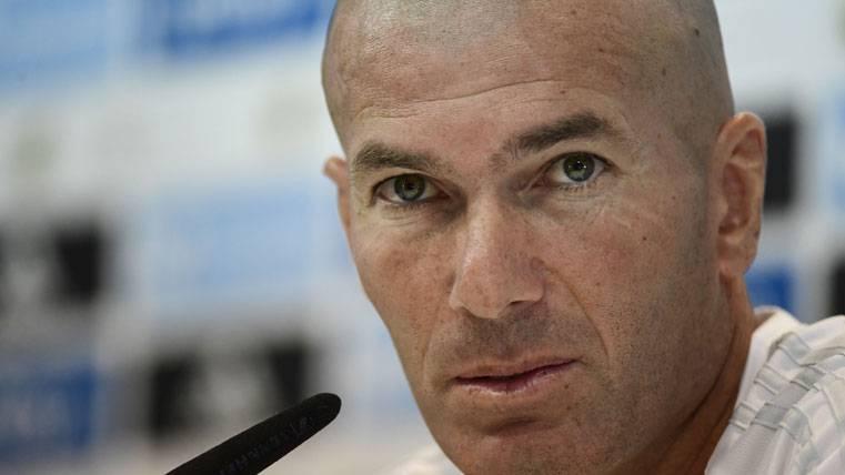 """Zidane explota: """"¿Cinco partidos a Cristiano? Ahí pasa algo..."""""""