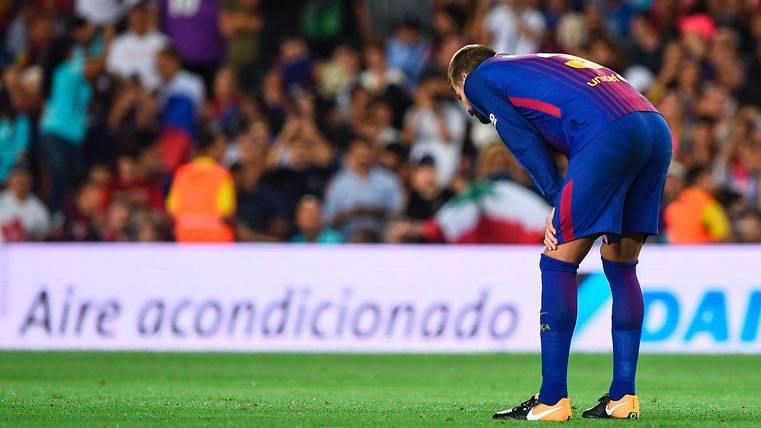 """Reciben a Gerard Piqué al grito de """"se queda"""" en Madrid"""