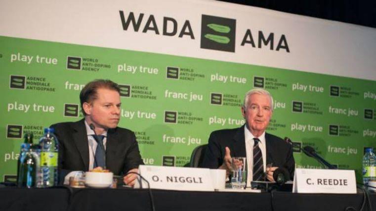 Acusan a la FIFA de ocultar 350 positivos de futbolistas