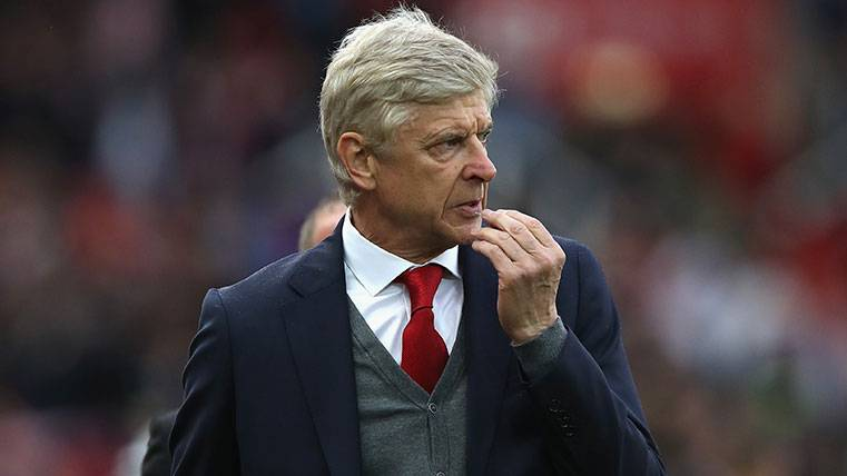 Wenger no quiere al Barcelona en la Premier League