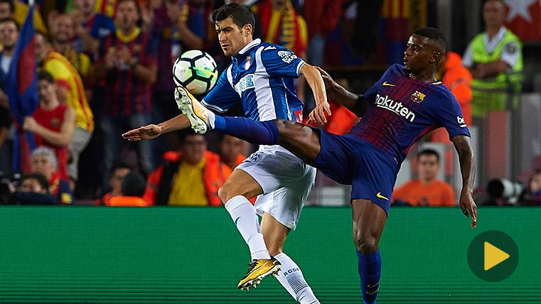 Nélson Semedo en una acción del FC Barcelona-RCD Espanyol