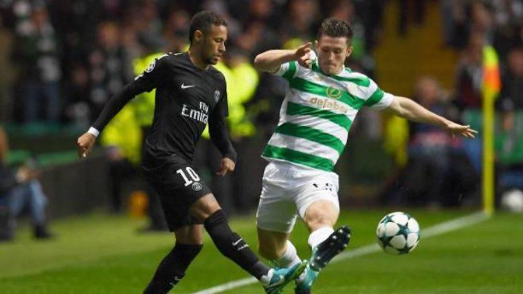 Neymar en una acción ante el Celtic