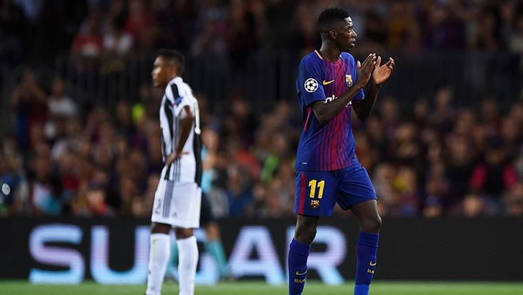 Ousmane Dembélé, aplaudido de nuevo en el Camp Nou