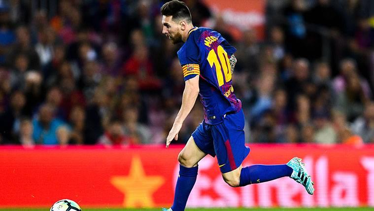 Leo Messi, inacabable, en busca del mito Xavi Hernández