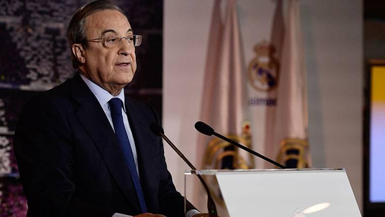 Florentino no se imagina sin el Barça y defiende a Piqué