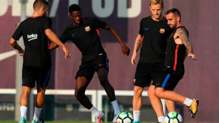 El Barcelona quiere tener a Alcácer hasta el mes de junio