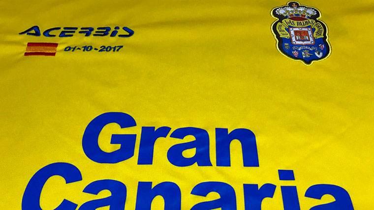 La UD Las Palmas, con la bandera española contra el Barça