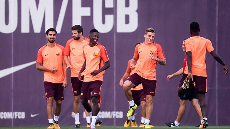 El Barça puede traspasar a André Gomes si ficha a Coutinho