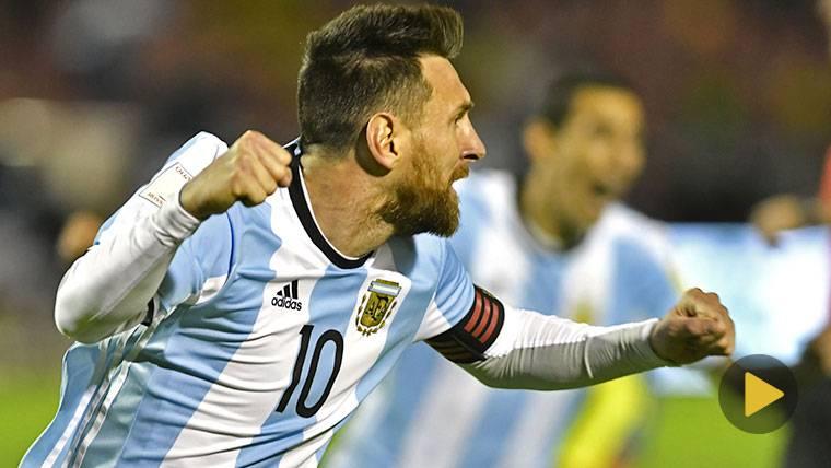 Leo Messi, celebrando un gol marcado contra Ecuador con euforia