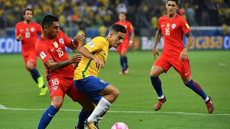 Philippe Coutinho, durante un partido contra Chile