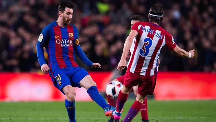 """""""El Barça genera polémicas internas pero Messi les sostiene"""""""