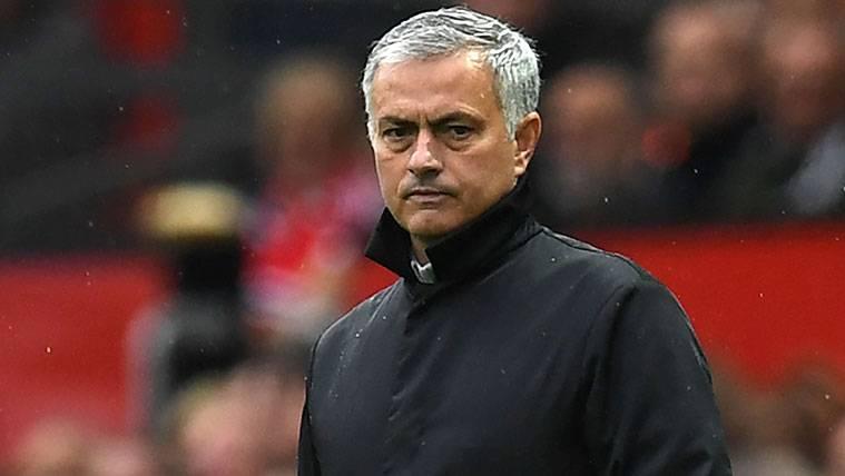 José Mourinho habla de Anfield... ¡Y se acuerda del Barça!