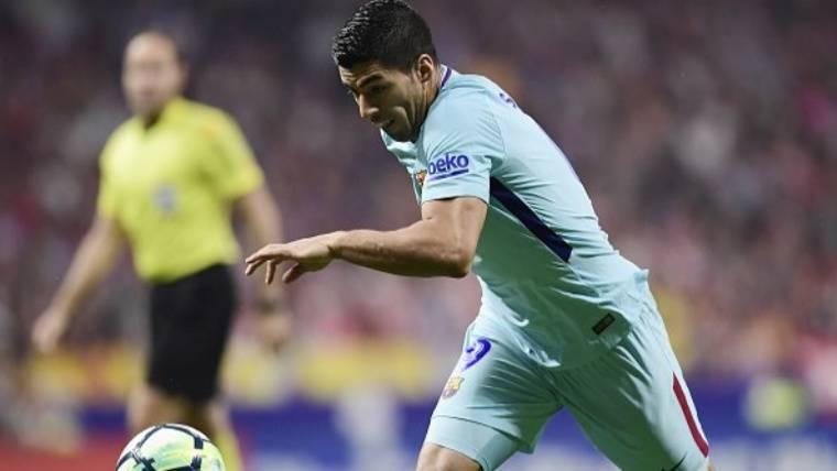 Luis Suárez marcó el gol del empate con un cabezazo