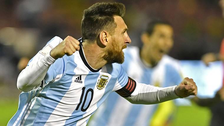 """La revelación del presidente de la AFA: """"Nos salvó Messi"""""""