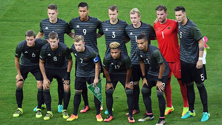 Si Coutinho no sale, la alternativa puede llegar de Alemania