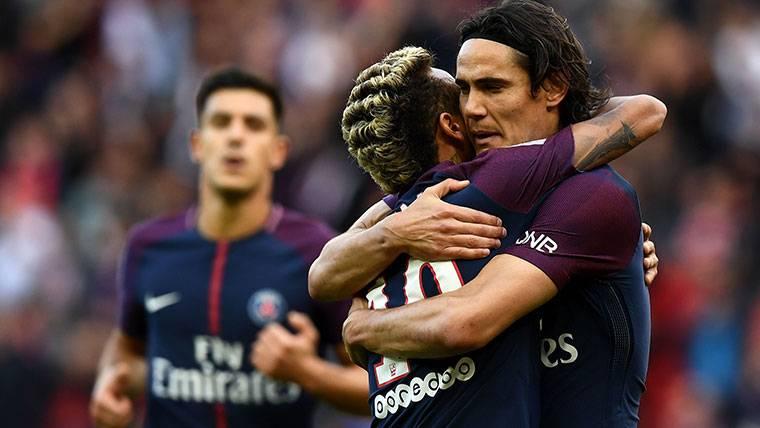 Cavani vuelve a hablar de su turbia relación con Neymar