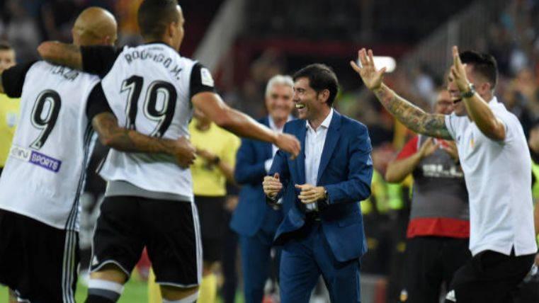 El Valencia aplasta al Sevilla y es candidato a LaLiga 2017-18