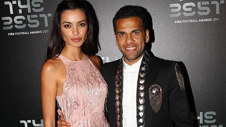 Dani Alves, protagonista de los saludos que evitó Neymar