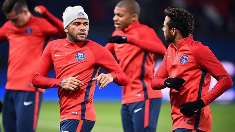Alves admite que estuvo a punto de fichar por el Real Madrid