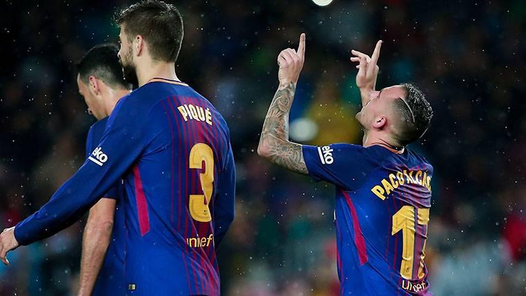 Doblete y ovación: La mejor noche de Alcácer en el Barça