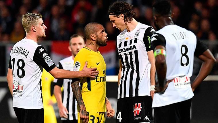 El peculiar apodo de un Dani Alves que ya manda en el PSG