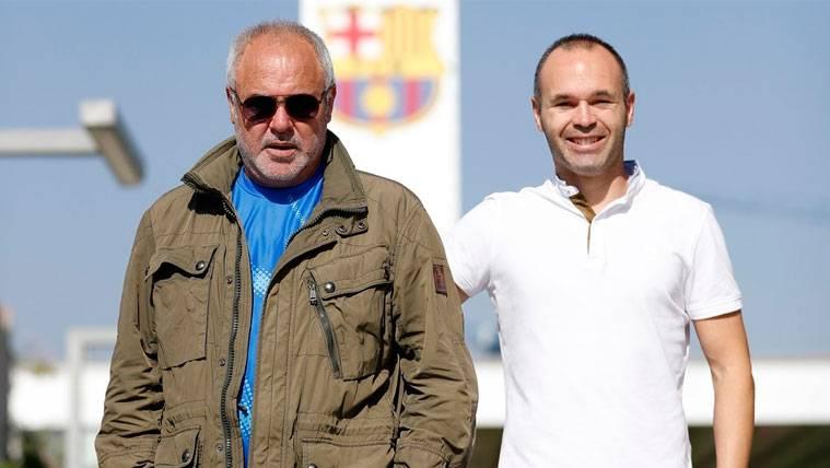 Iniesta y su padre rememoran su fichaje por el FC Barcelona