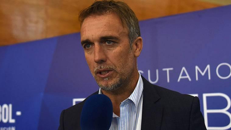 Gabriel Batistuta en un acto de la CONMEBOL