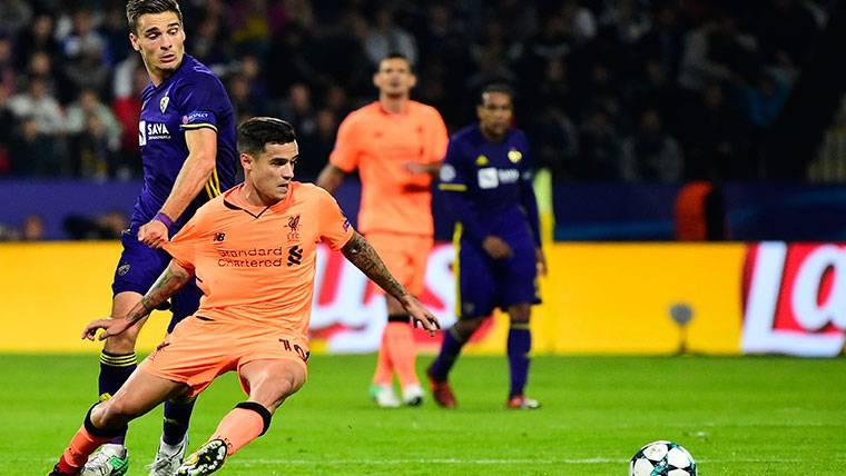 Philippe Coutinho, durante un partido con el Liverpool este curso