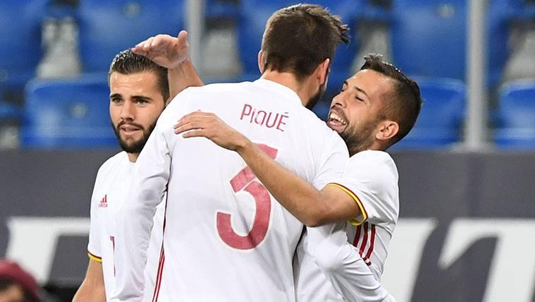 Jordi Alba vuelve a marcar con la selección, ¡con un gol de cabeza!