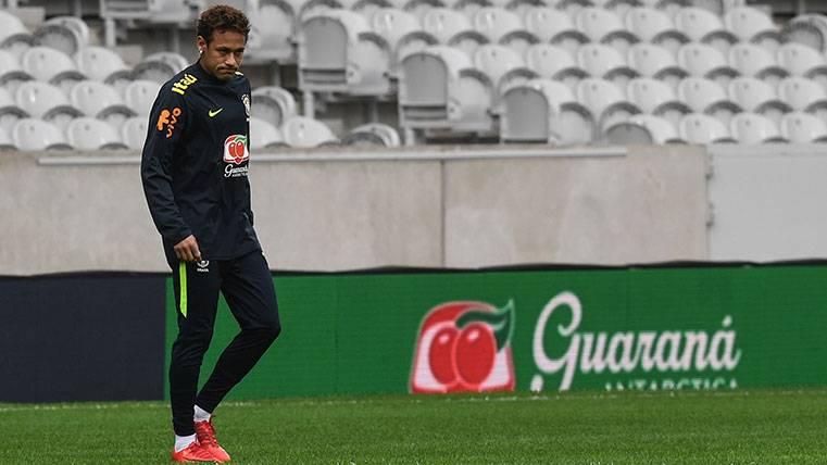 Neymar pidió llorando a Bartomeu no irse al PSG