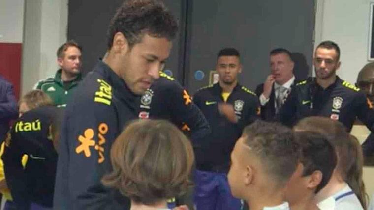 Neymar Jr responde a un niño por qué fichó por el PSG