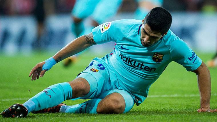 SUSTO: Luis Suárez volvió a dolerse de la rodilla en Butarque