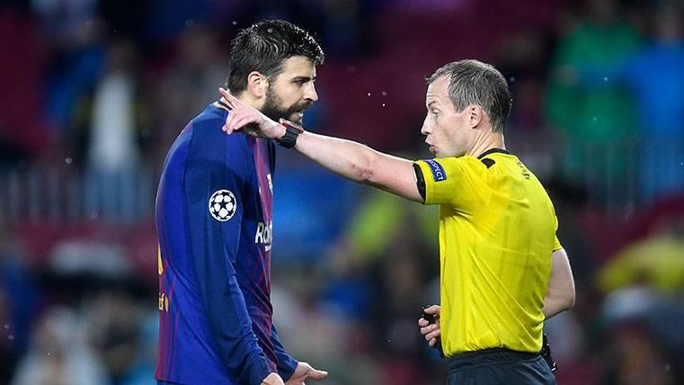 Las tres opciones de Valverde para suplir a Piqué en Mestalla
