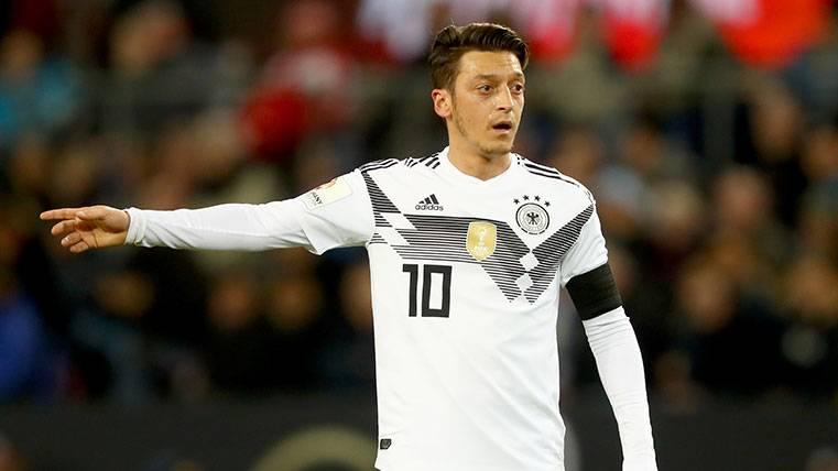 Ventajas y desventajas del fichaje de Özil por el Barcelona